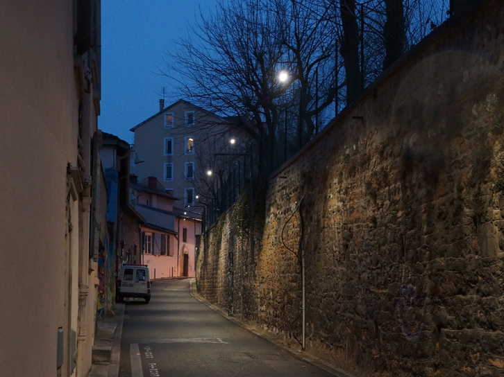 LEC Lyon - Soulary-catenary-light