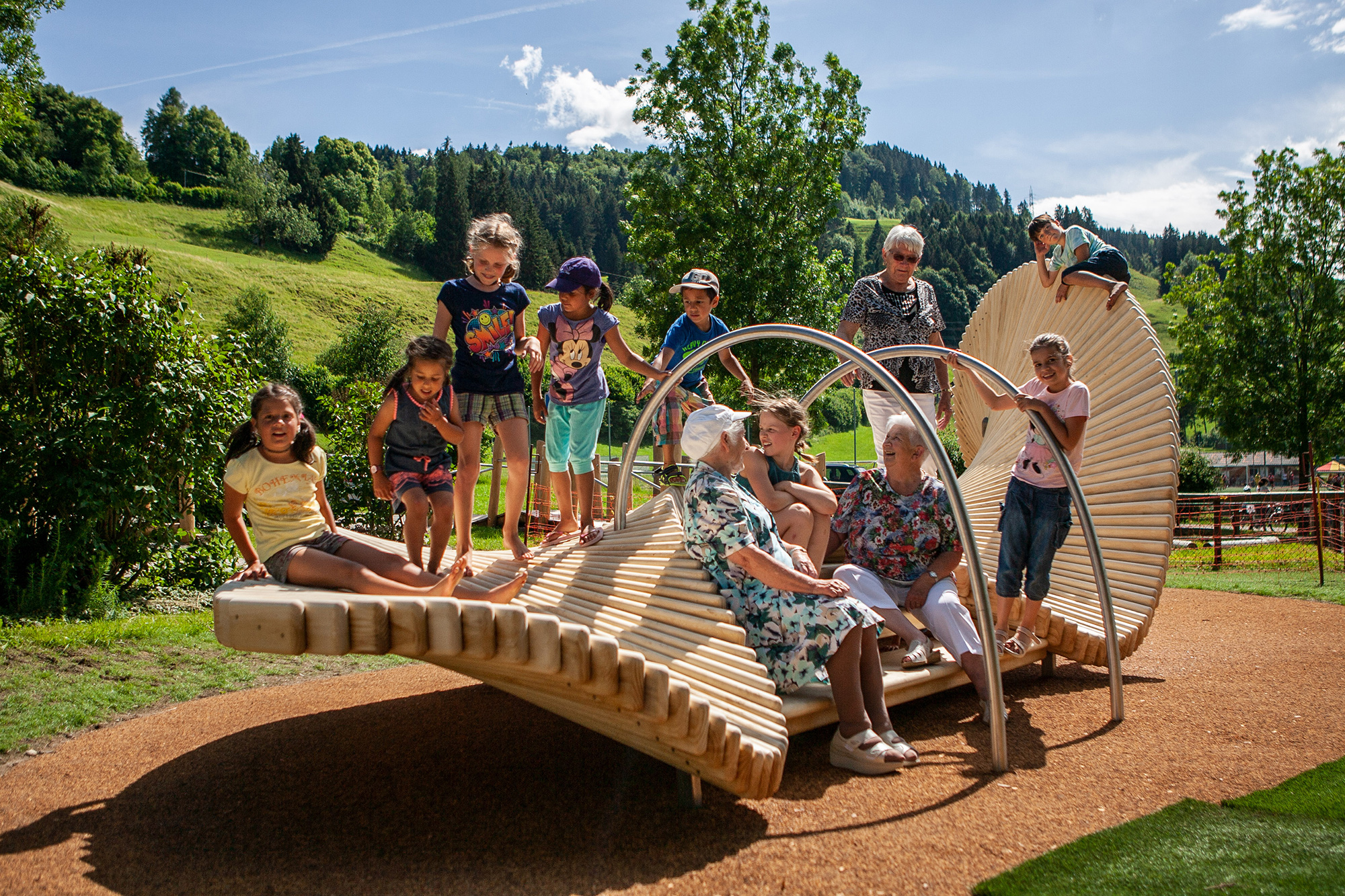 Multigenerational moveart playsculpture® launched to help tackle challenges of modern family life in public space